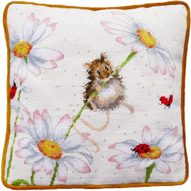 Daisy Mouse Tapestry By Wrendale Designs