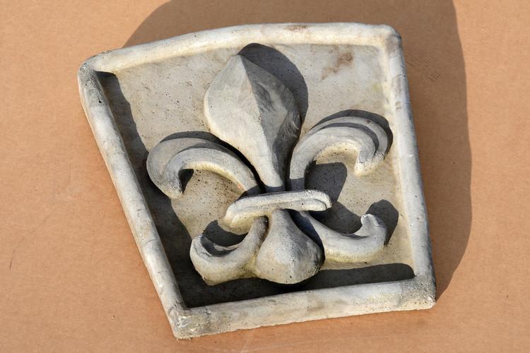 Fleur De Lis - Key Stone