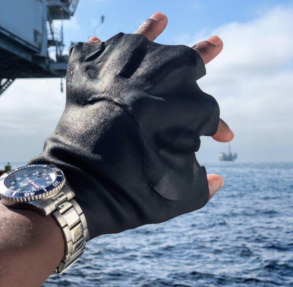Darkfin Short Web Gloves