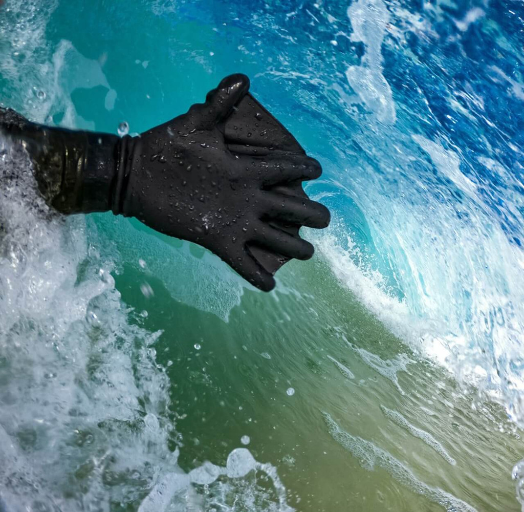 Darkfin Durafin Gloves