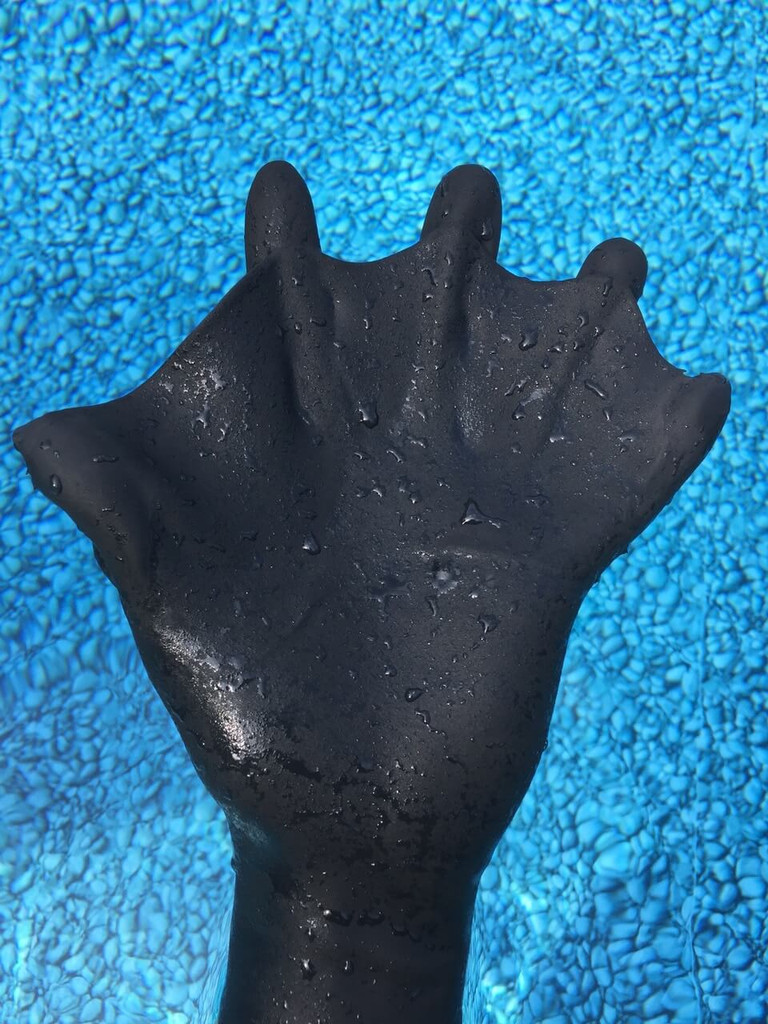forward webbing darkfin glove