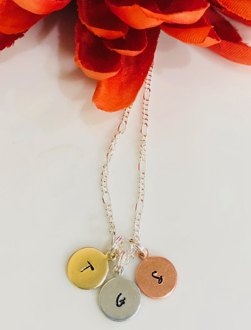 Small Circle Tag Initial Charm Necklace (One Charm)