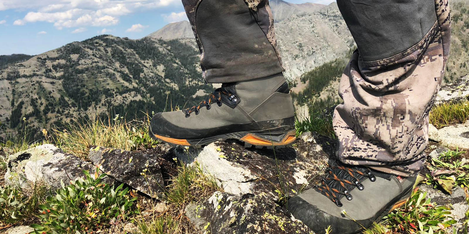 546cf9ad67a2 Schnee s Mountain Boots