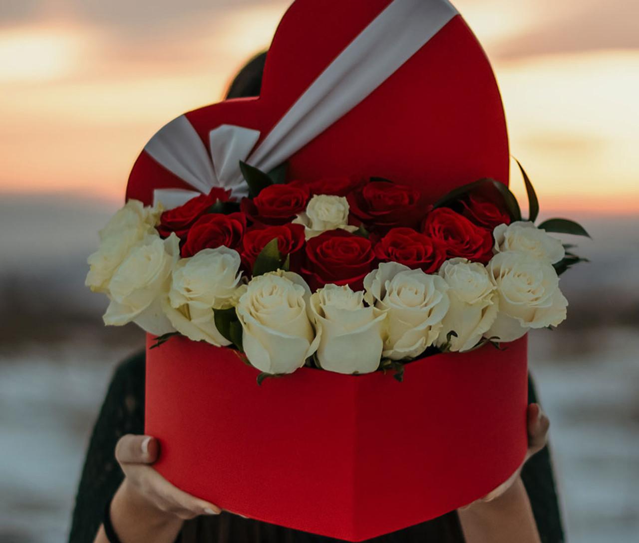 Luxe Ecuadorian Roses Love Box