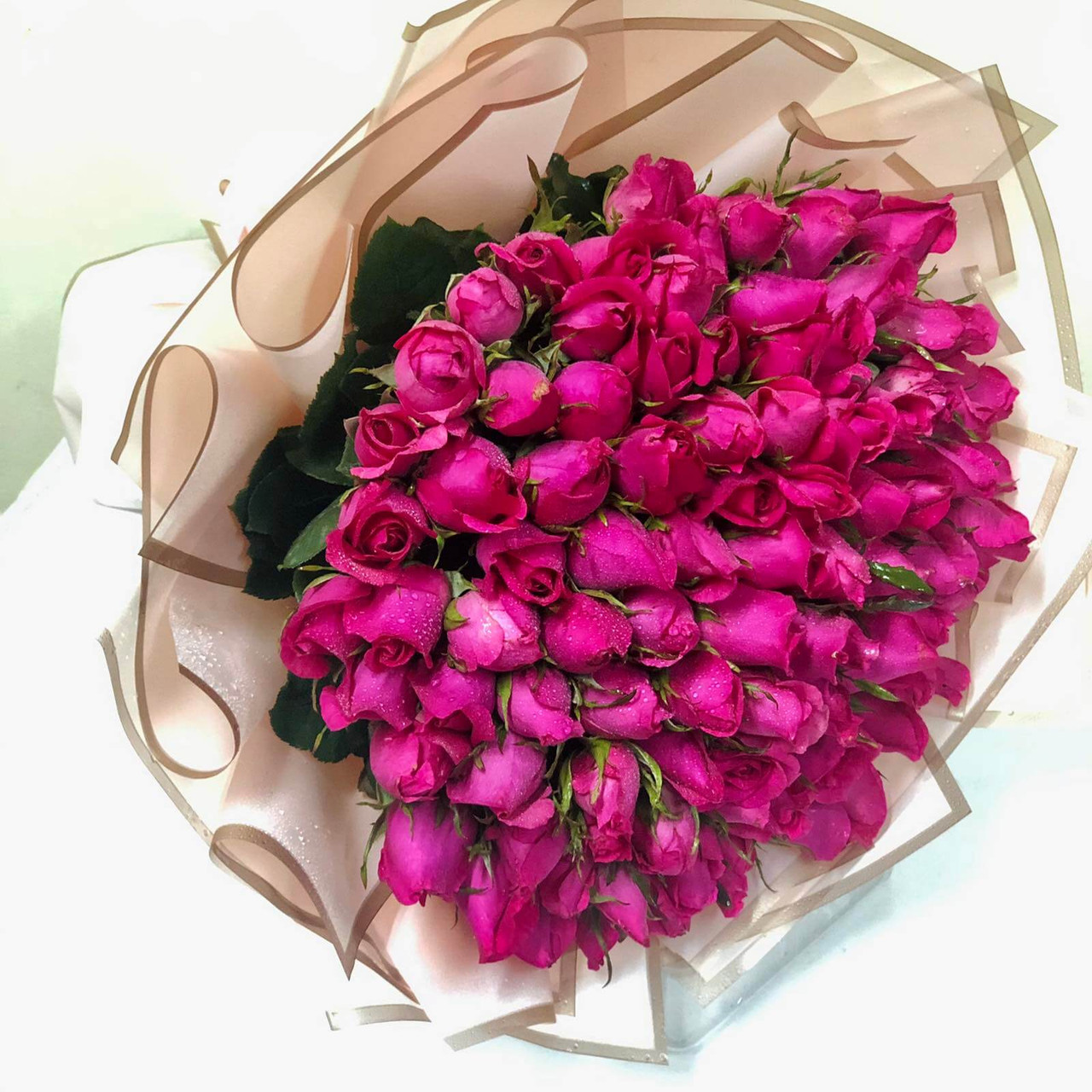 100 Roses Giant Bouquet