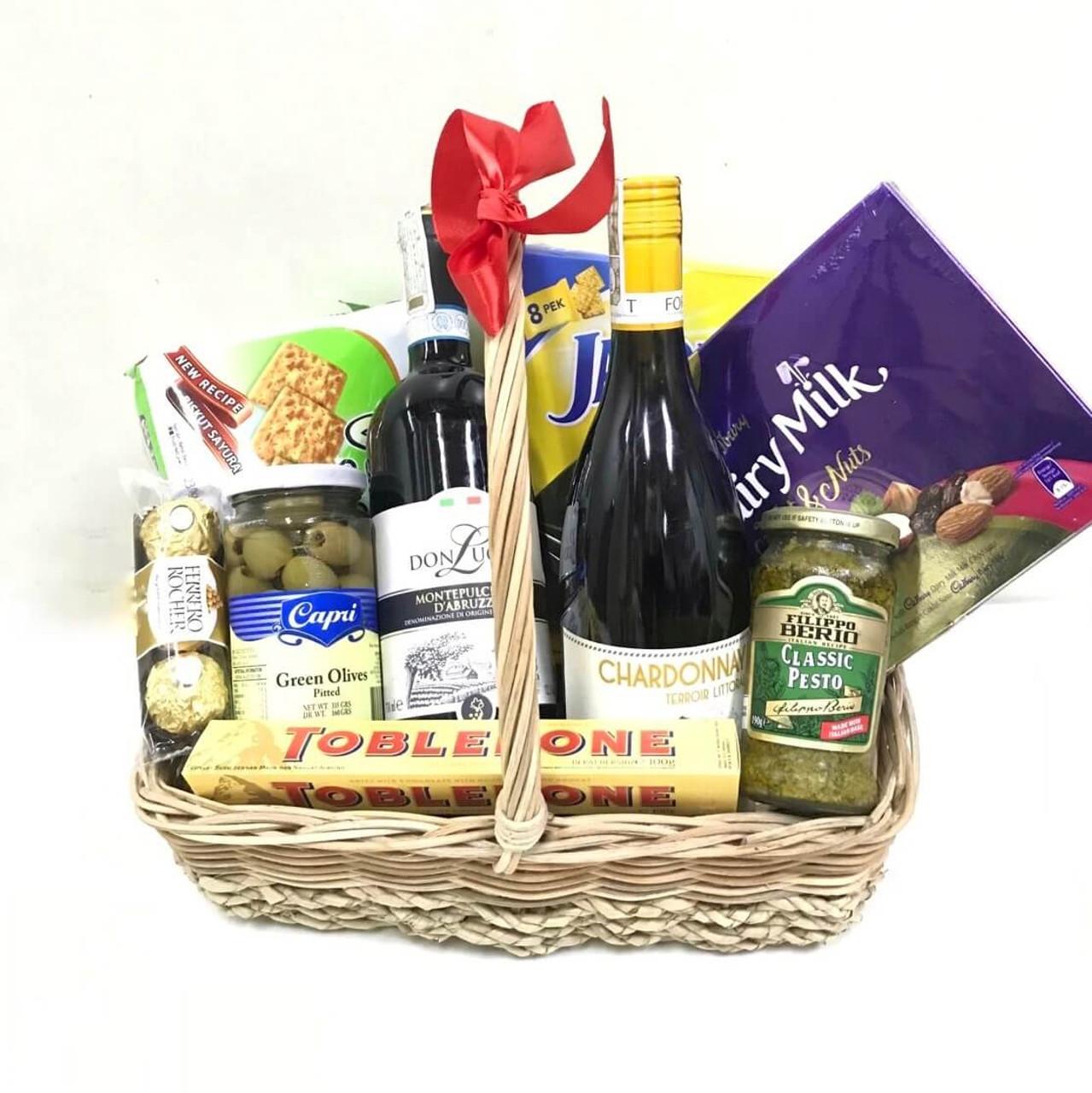 Italian & French Wine Deli Basket