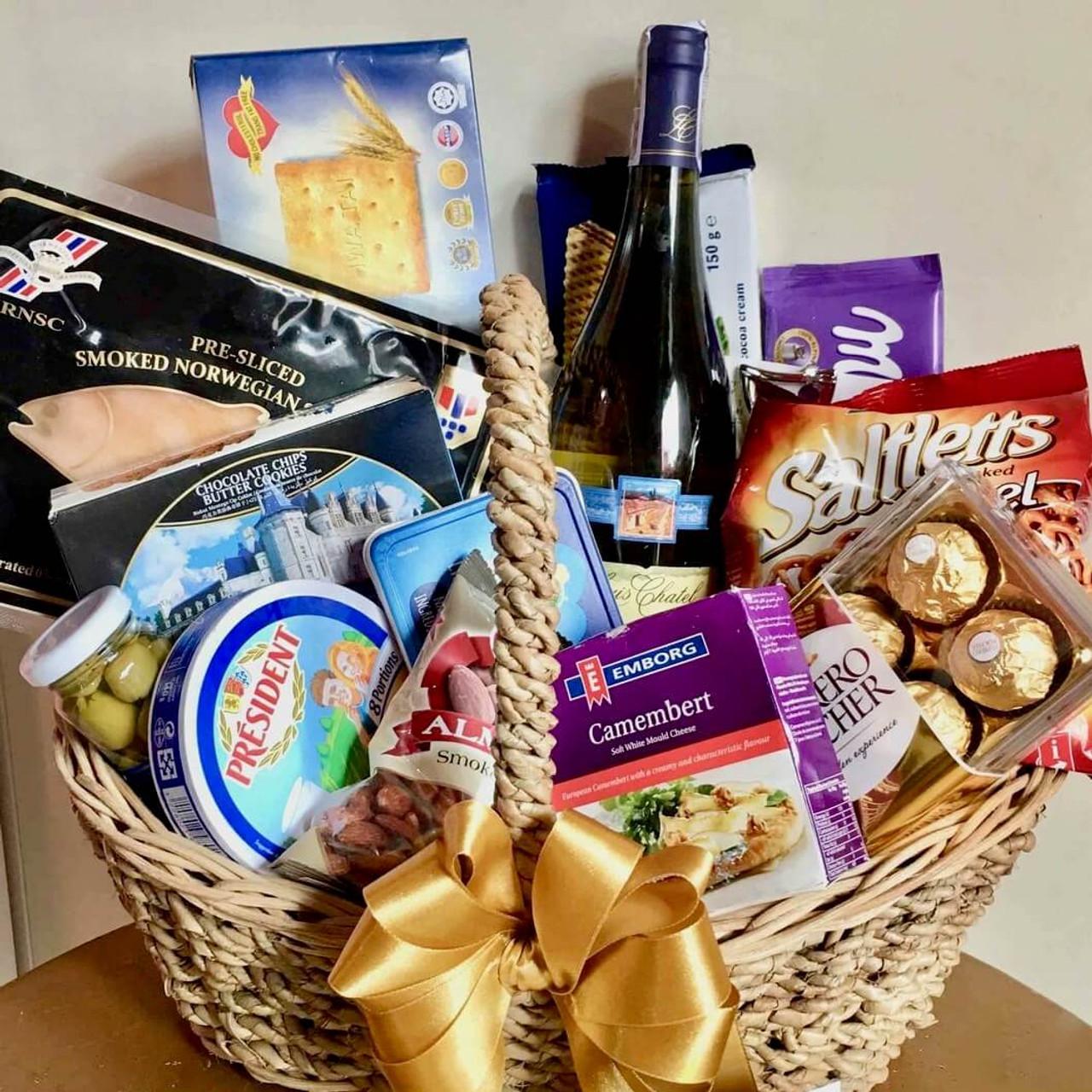 Gourmet Holidays Gift Basket