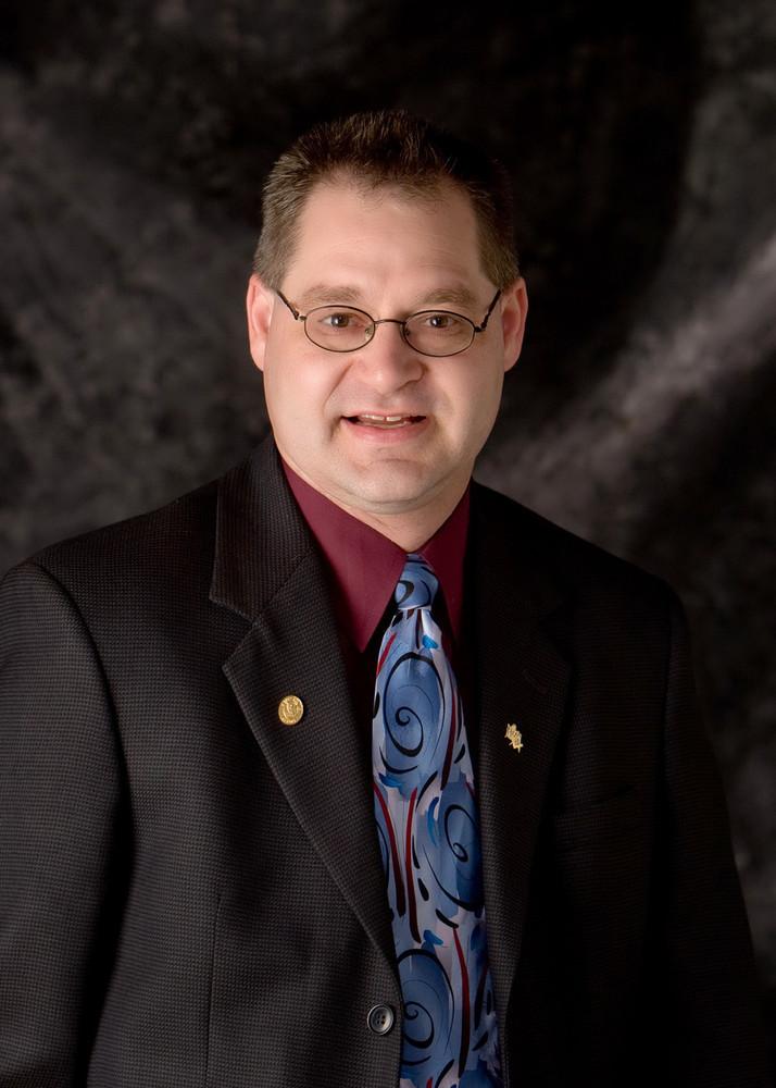 Author photo - Motts