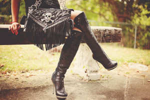 Black skull bag with fringe