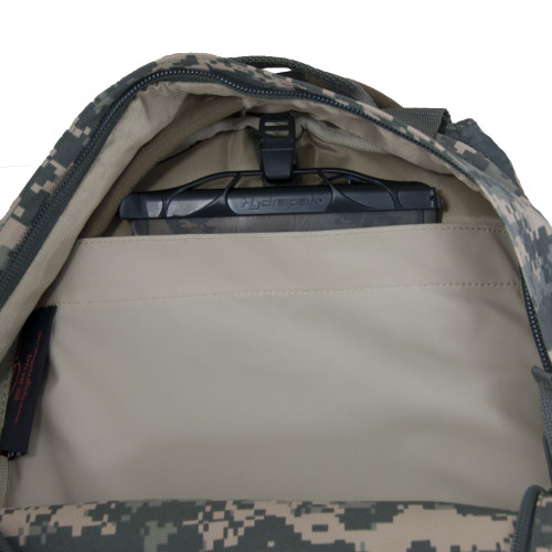 Three large zippered compartments