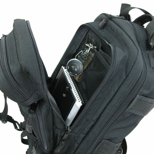 Inside small zipper pocket & mesh slip-in pocket