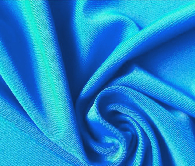 chlorine-resistant-pbt-swimwear-fabric-002-.jpg