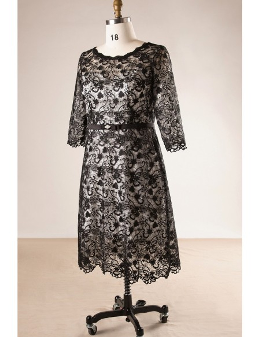 Sheath 3/4 Sleeve Black Lace Plus Size Mother Of The Brides Dress