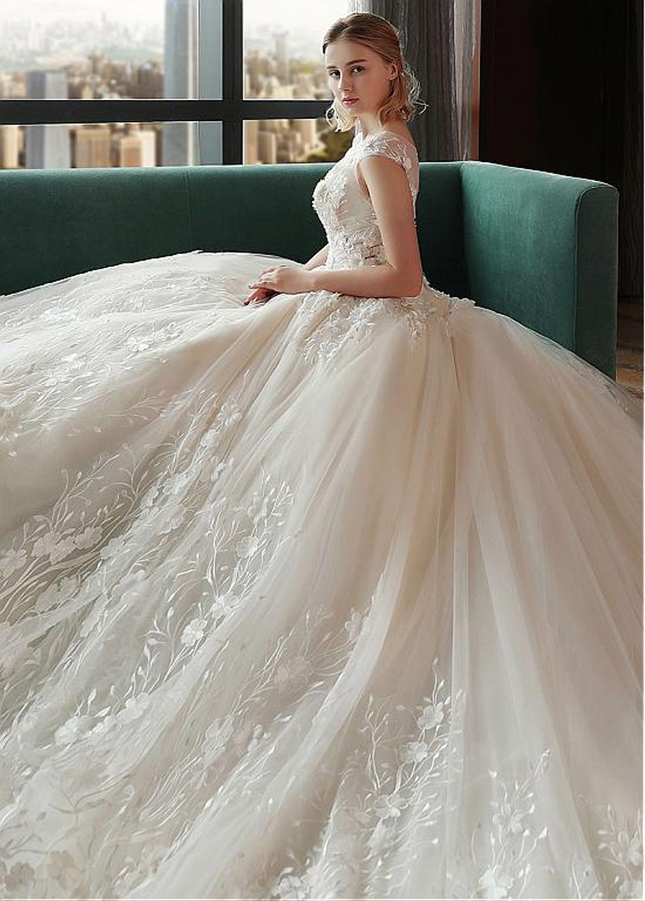 Organza 3d Flowers Ball Gown Wedding Dress With Lace Appliques