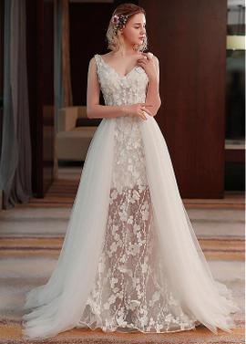 V-Neck Wedding Dresses 1960s