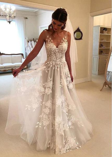 Romantic Tulle V-neck 3D Lace Appliques A-line Wedding Dress