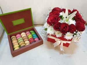 Macaron Box with Flowers