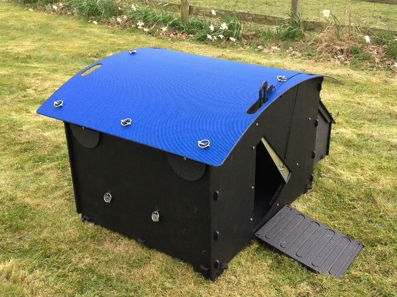 Recycled_Plastic_Chicken_Coop_House_Large_8-15_Chicken-Blue_Roof
