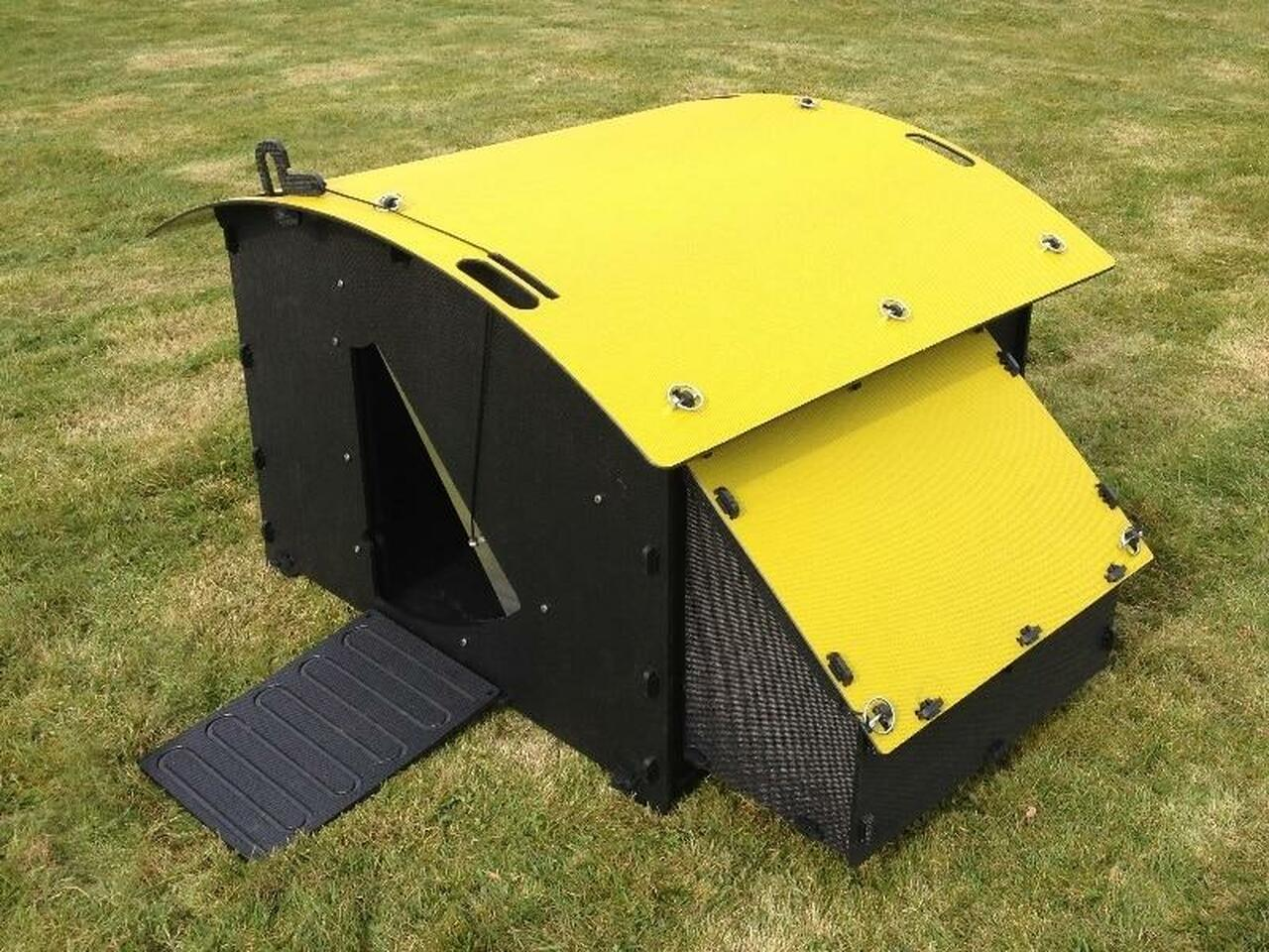Recycled_Plastic_Chicken_Coop_House_Large_8-15_Chicken-Yellow_Roof