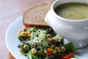 | Local Lunch : dagsoep, salade en boterham van de dag. |