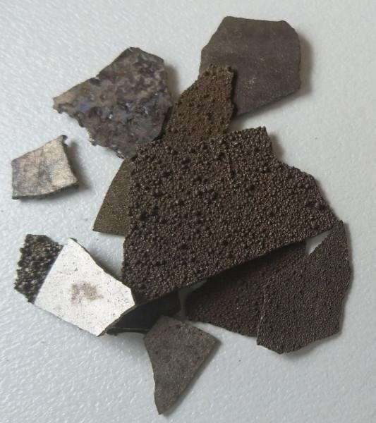 Manganese, elemental 99.9% pure 10g sample. Element 25.  FREE POSTAGE!