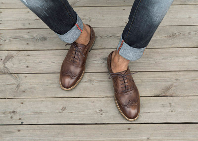 Classy men shoes with jeans