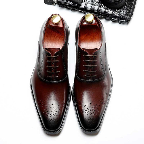 Brown oxfords shos