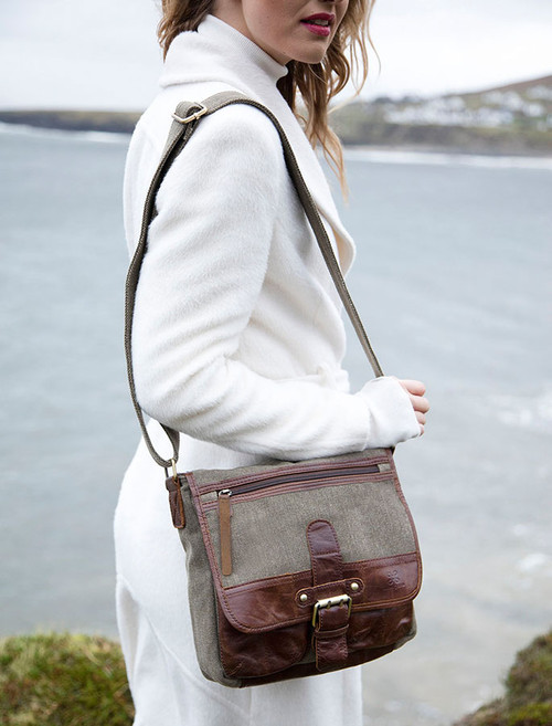 Traditional Tweed & Leather Single Buckle Bag