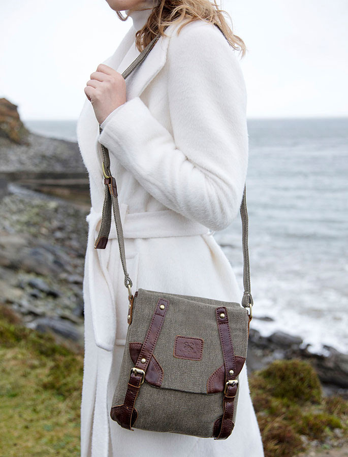 Traditional Tweed & Leather Double Buckle Bag