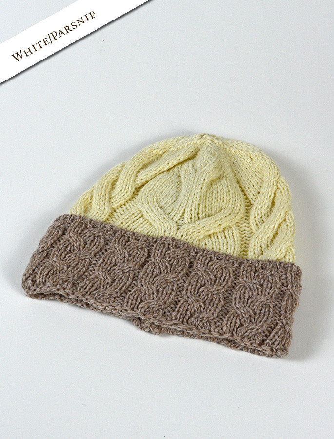 Aran Two-Tone Cable Hat - White/Parsnip