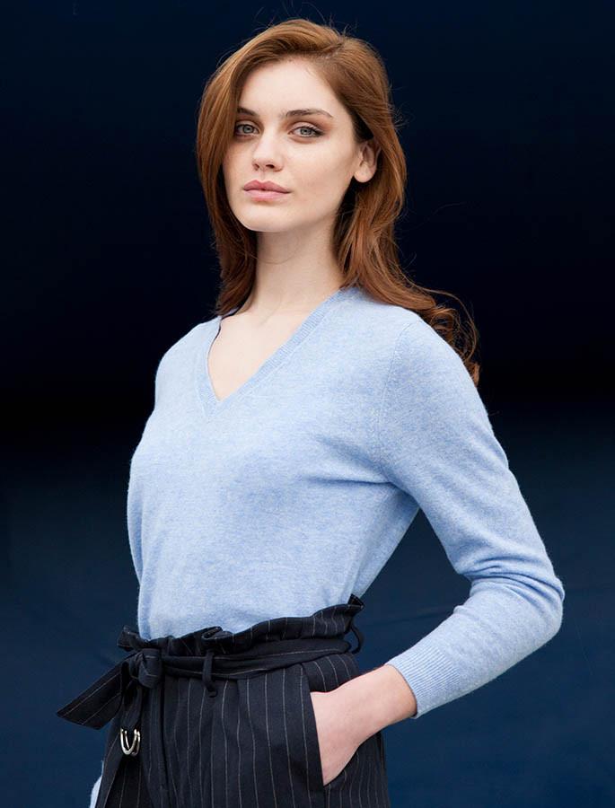 Womens Lambswool V-Neck Sweater - Blue Ocean