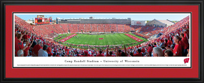 Wisconsin Badgers Panoramic Photo Deluxe Matted Frame - 50 Yard Line | Blakeway | UWI3D