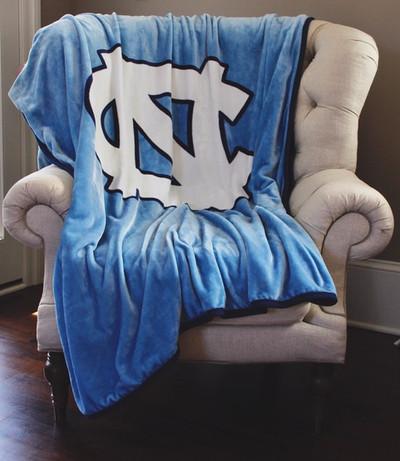 UNC Tar Heels Plush Reversible Blanket | Dormitory 101 | UNCCH6080REV192