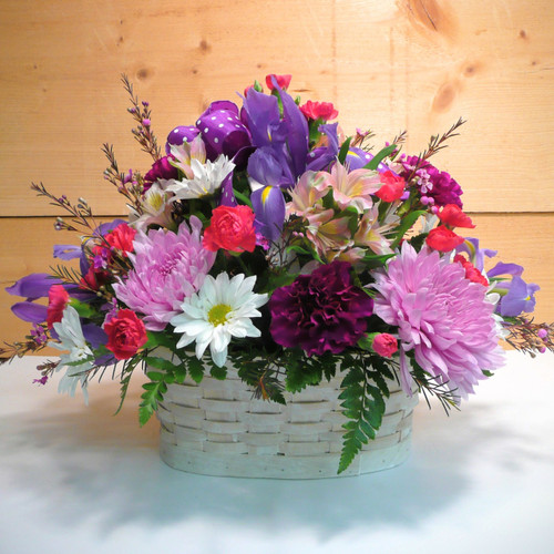Bountiful Blooms by Savilles Country Florist. Flower delivery to Orchard Park, Hamburg, West Seneca, East Aurora, Buffalo, NY and surrounding suburbs.