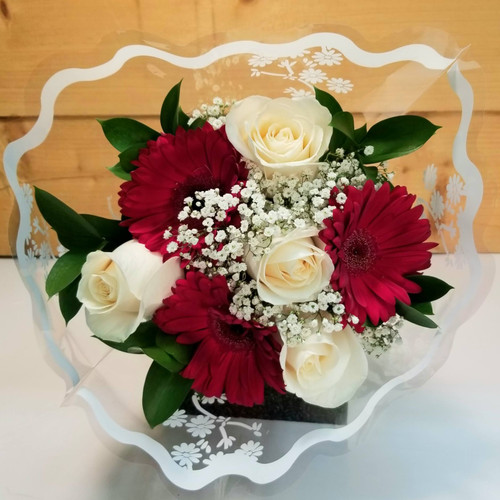 GO OP Wrapped Rose & Carn Bouquet (SCF20D64)