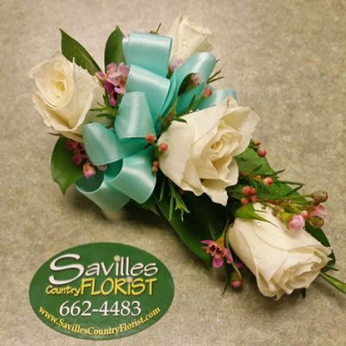 Corsage 4 White Sweetheart Roses