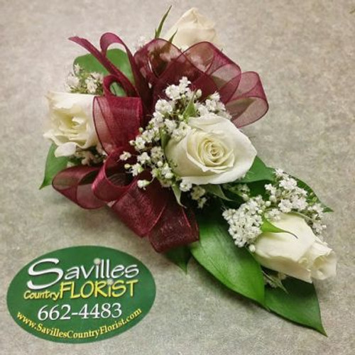 Corsage 5 White Sweetheart Roses