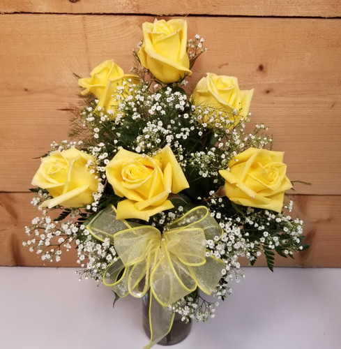 Love's Embrace Yellow (105213) by Savilles Country Florist.  Flower and Plant delivery to Orchard Park, NY and the surrounding area including same day delivery to Hamburg, West Seneca, East Aurora, Blasdell and Buffalo NY