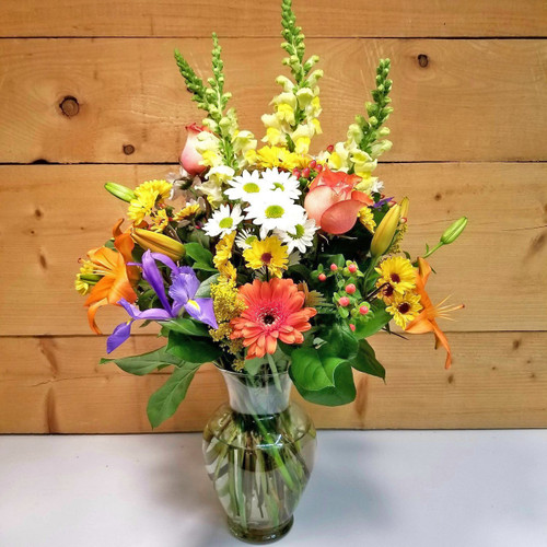 Life is Good Bouquet (SCF18D22) by Savilles Country Florist.  Flower and Plant delivery to Orchard Park, NY and the surrounding area including same day delivery to Hamburg, West Seneca, East Aurora, Blasdell and Buffalo NY