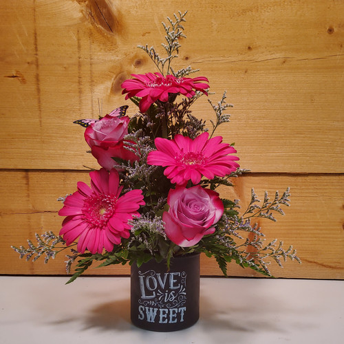 Love is Sweet (SCF19D05) by Savilles Country Florist.  Flower and Plant delivery to Orchard Park, NY and the surrounding area including same day delivery to Hamburg, West Seneca, East Aurora, Blasdell and Buffalo NY