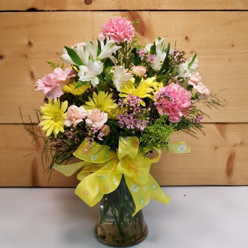 Springtime Kiss (SCF19D08) by Savilles Country Florist.  Flower and Plant delivery to Orchard Park, NY and the surrounding area including same day delivery to Hamburg, West Seneca, East Aurora, Blasdell and Buffalo NY