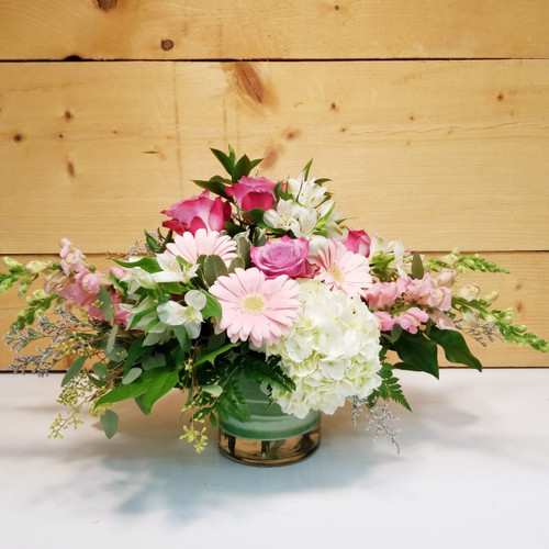 Modern Elegance (SCF19D26) by Savilles Country Florist.  Flower and Plant delivery to Orchard Park, NY and the surrounding area including same day delivery to Hamburg, West Seneca, East Aurora, Blasdell and Buffalo NY