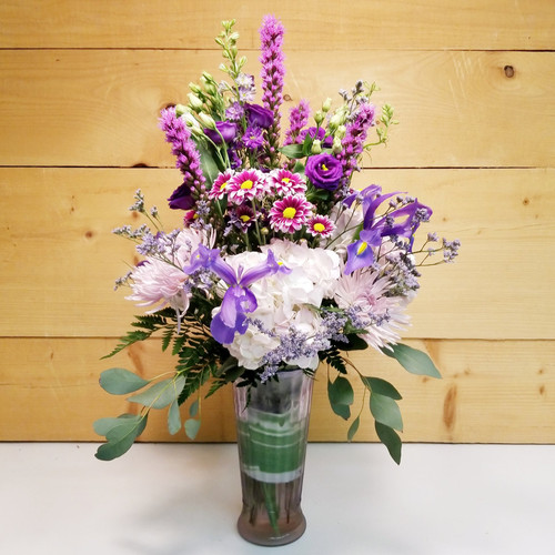 Love Conquers All (SCF19D35) by Savilles Country Florist.  Flower and Plant delivery to Orchard Park, NY and the surrounding area including same day delivery to Hamburg, West Seneca, East Aurora, Blasdell and Buffalo NY