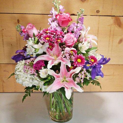 Wondrous Beauty Bouquet by Savilles Country Florist. Flower delivery to Orchard Park, Hamburg, West Seneca, East Aurora, Buffalo, NY and surrounding suburbs.