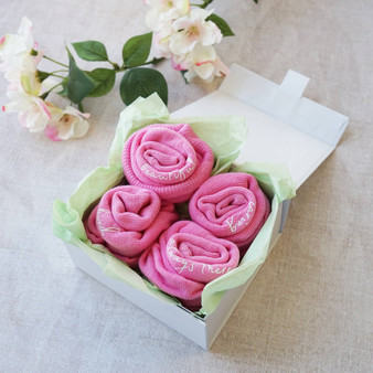 Thoughtful Roses Gift Set