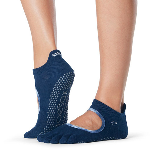 socks for yoga and pilates training