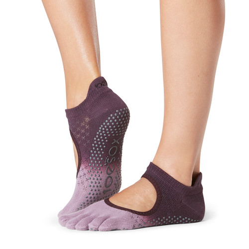 bellarina majestick toesox with 5 finger design for pilates and yoga