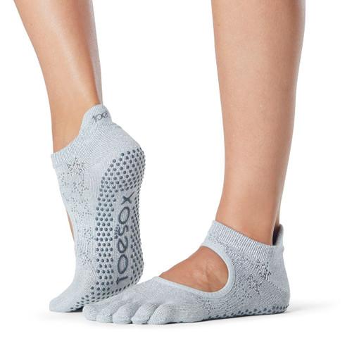 yoga and pilates socks bellarina moonboot design for enanced training
