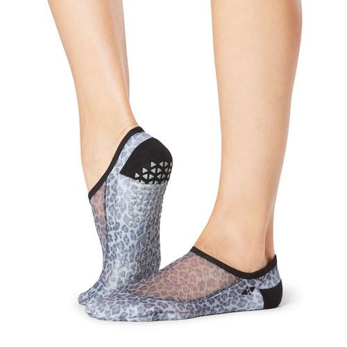 tavi noir socks for yoga and pilates