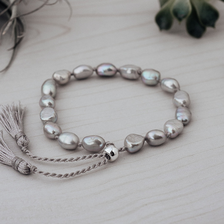 GRAY PEARLS HUMBLE BRACELET